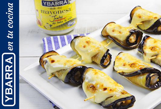 Rollitos de berenjena, langostinos y mayonesa