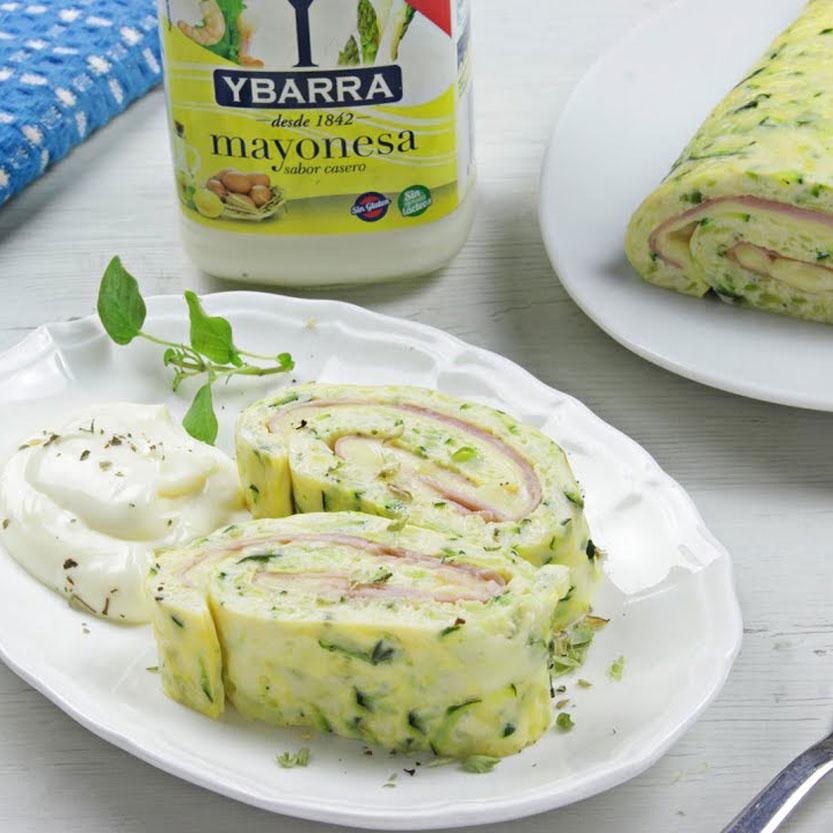Pastel enrollado de calabacín con mayonesa