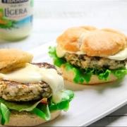 recetas ybarra de hamburguesa de pollo y espinacas con salsa ligera