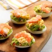 recetas ybarra huevos rellenos de guacamole, langostinos y mayonesa