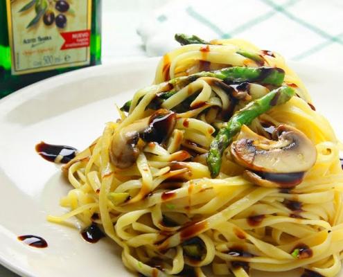 receta ybarra tagliatelle de pasta y verduras con aceite virgen extra y crema de vinagre de modena
