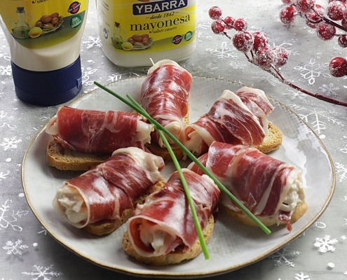 rollitos de jamon, pollo y mayonesa