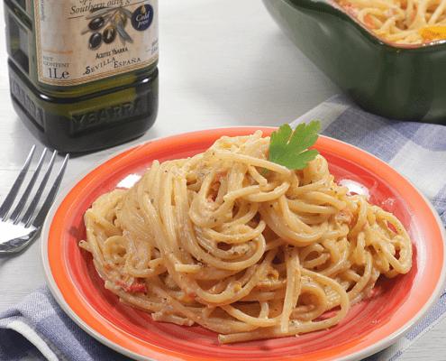 Espaguetis con queso feta
