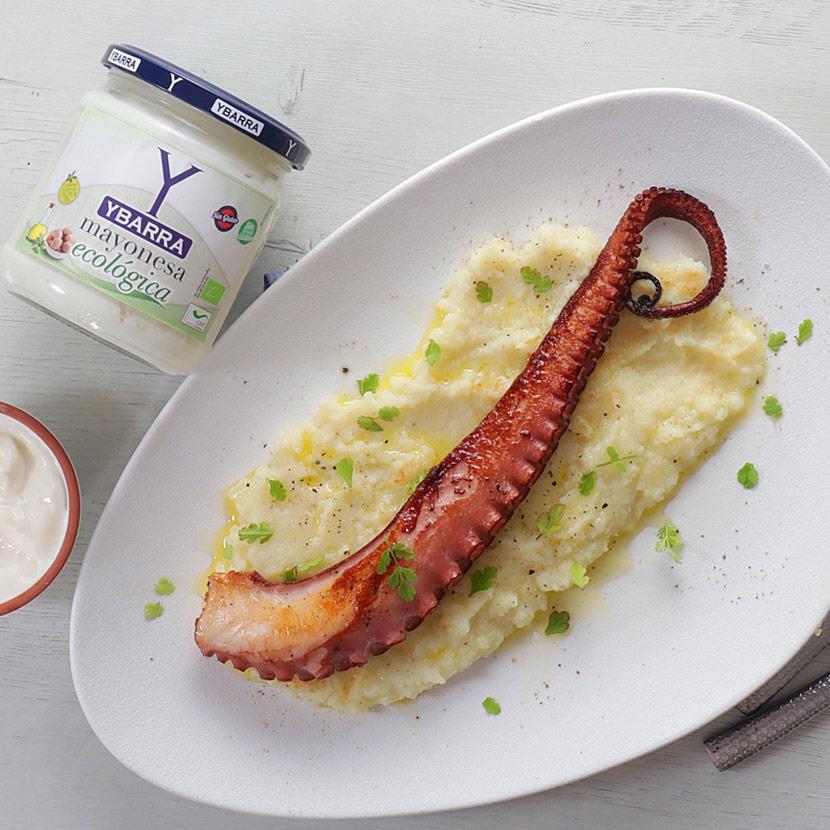 Pulpo asado con parmentier de patata y mayonesa ecológica Ybarra